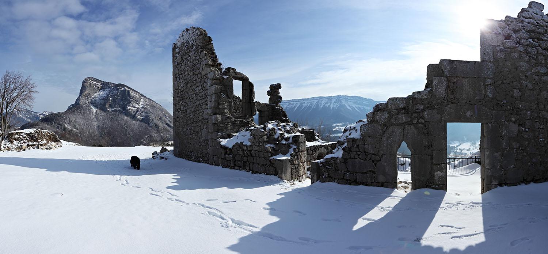 Ruines du Chateau de Montbel en hiver