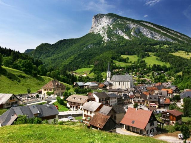 Village de St Pierre Entremont